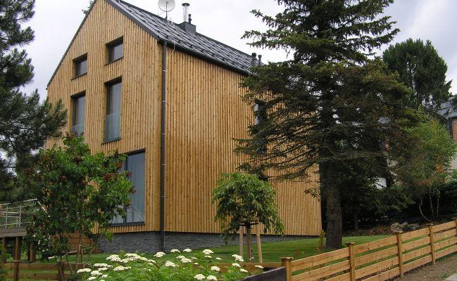 DřevostavbyModerní technologie umožňující energeticky úsporné bydlení. Spolupracujeme s lídry dodávající kompletní řešení od projektu až po vlastní konstrukční řešení, stavební technologii a materiály....